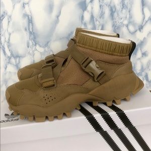 NWT Adidas Originals HYKE AOH 010 Men BA8359 NWT
